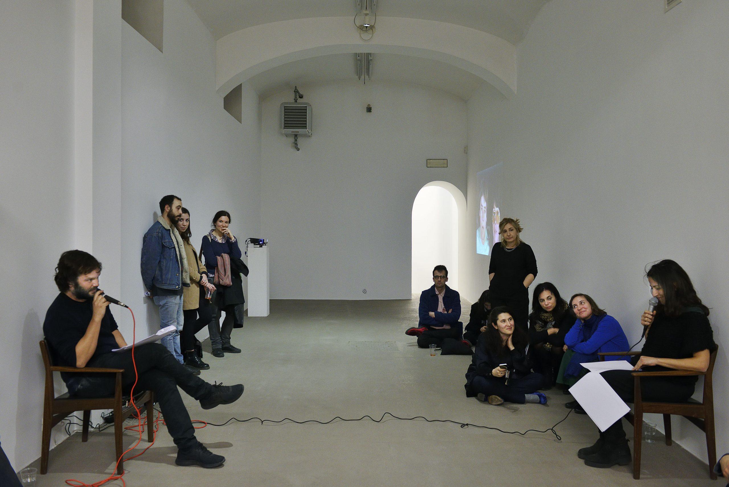 Ulises Carrión Hamlet, for Two Voices, 1977 (attivato da Adelaide Cioni e Fabio Giorgi Alberti) foto Roberto Apa