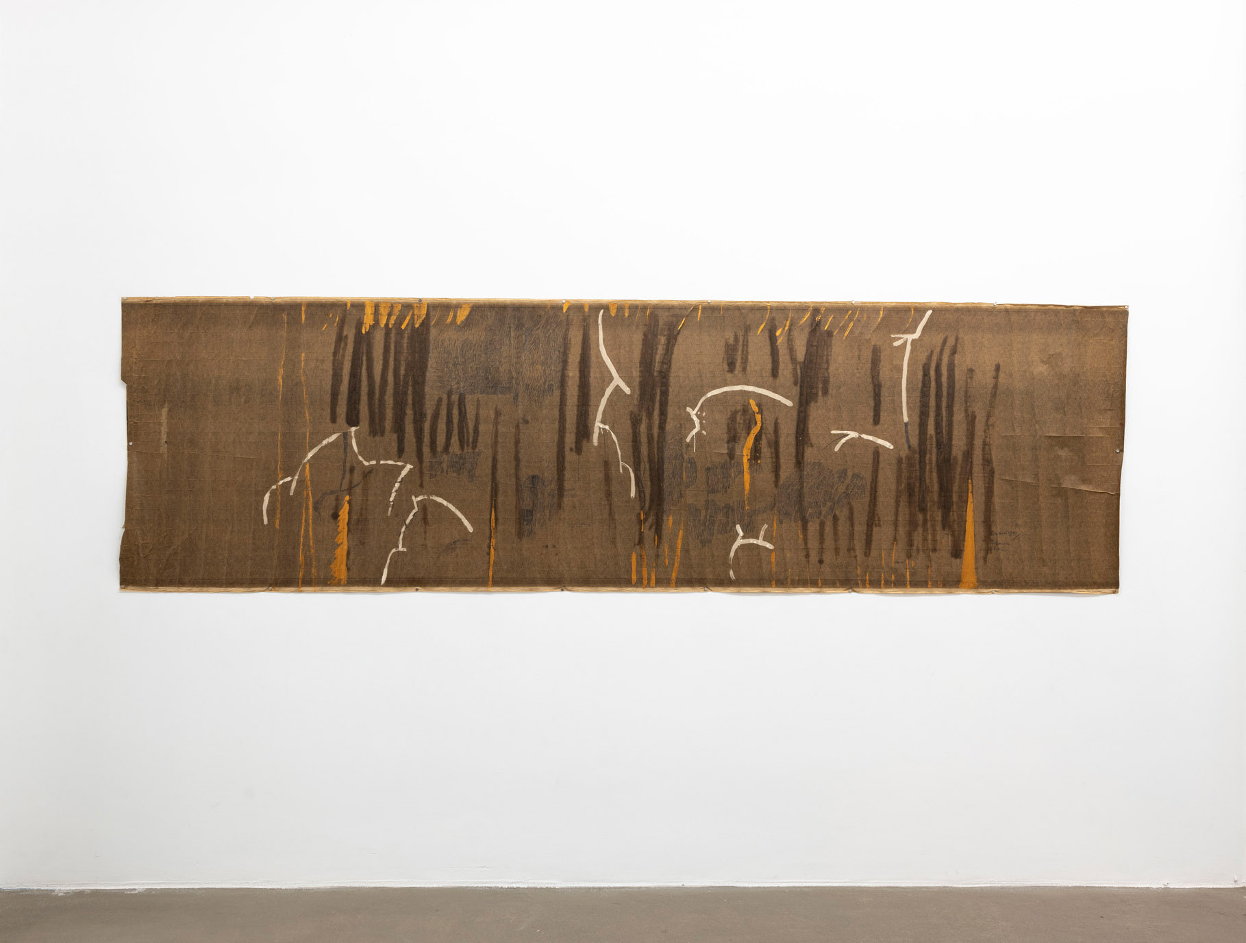 Infucio us Gardening, Marianne Moore, 2006 Tecnica mista su carta catramata; 351 x 101 cm;  foto: Giorgio Benni.  Courtesy l'artista e Monitor Roma, Lisbona, Pereto