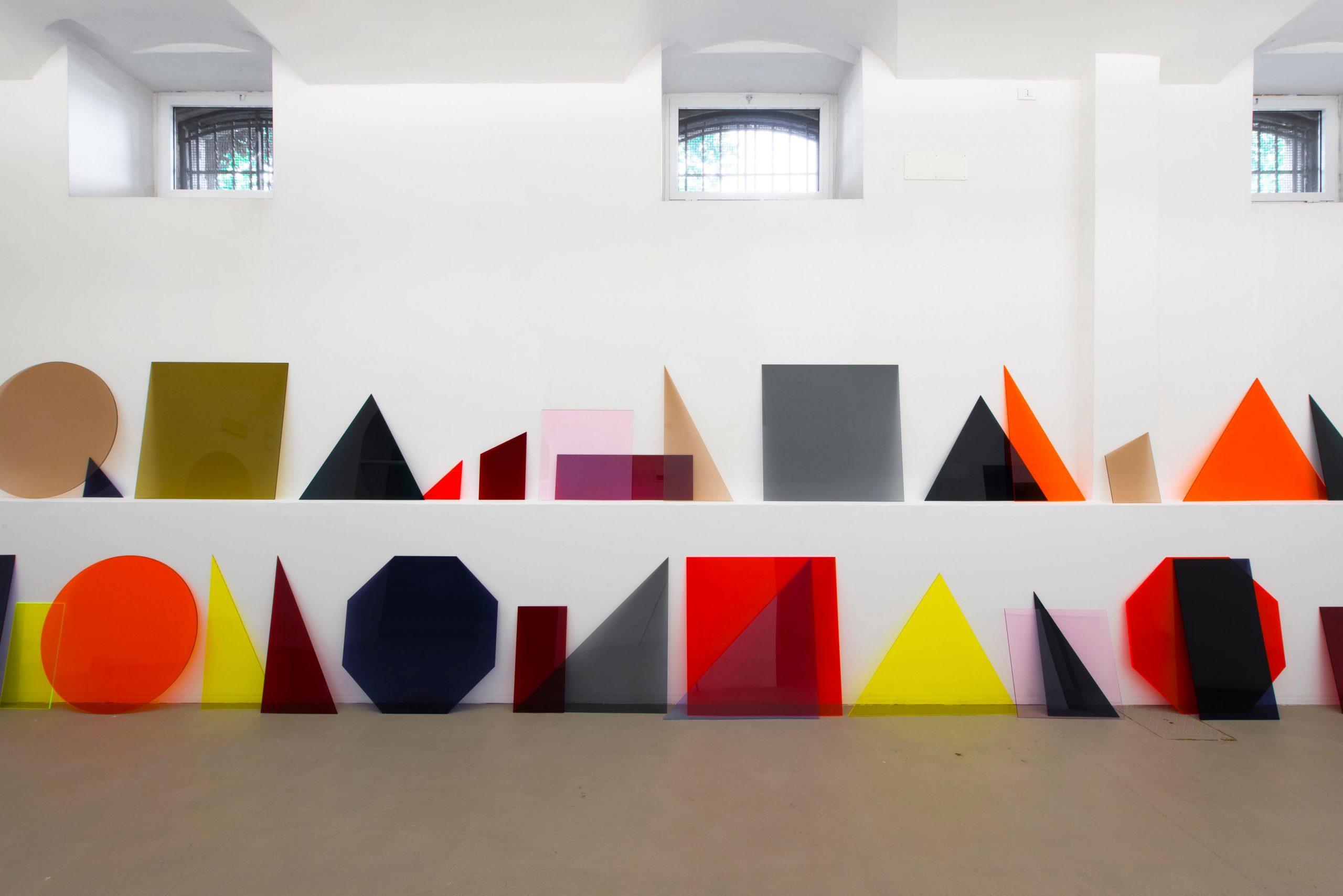 Amalia Pica A∩B∩C (line), 2013  Courtesy Coll. Fundação de Serralves – Museum of Contemporary Art, Porto, Portugal. Aquisition in 2013