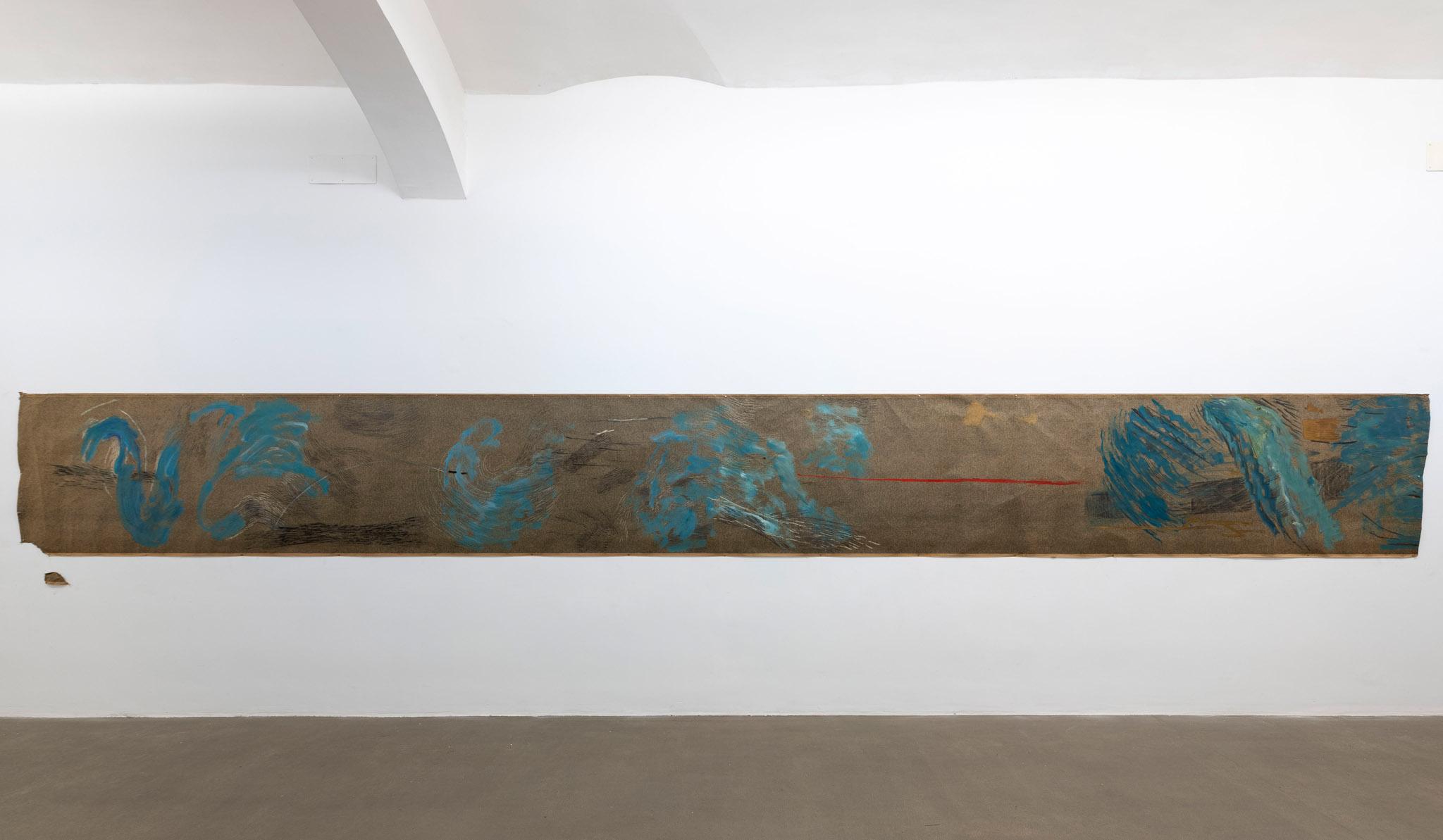 Acqua e ombre, 1998 Tecnica mista su carta catramata; 868 x 101 cm;  foto: Giorgio Benni.  Courtesy l'artista e Monitor Roma, Lisbona, Pereto