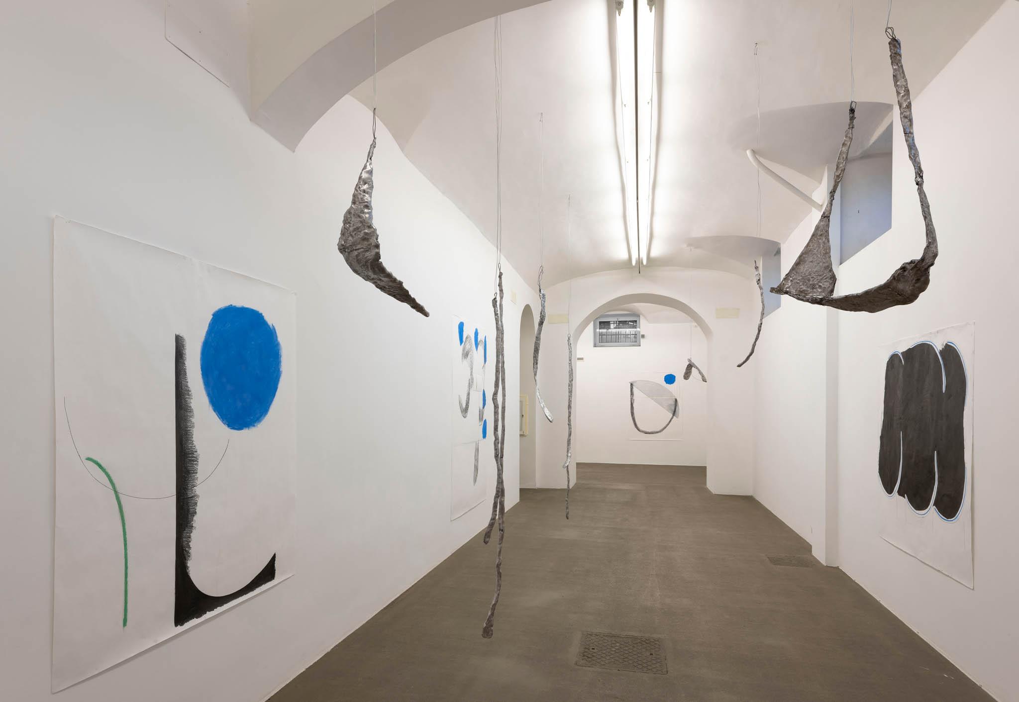 . Esther Kläs Room 2, 2019, 9 aluminium pieces, 4 drawings; Courtesy SpazioA, Pistoia; photo Giorgio Benni