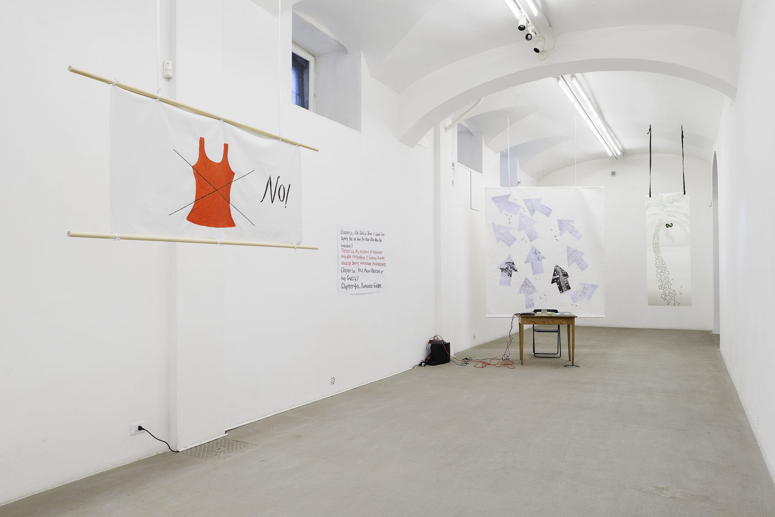 Evelyn Taocheng Wang Idle Chatter, Gossipy Rome, installation view presso Fondazione Giuliani, Roma, 2018  foto Roberto Apa