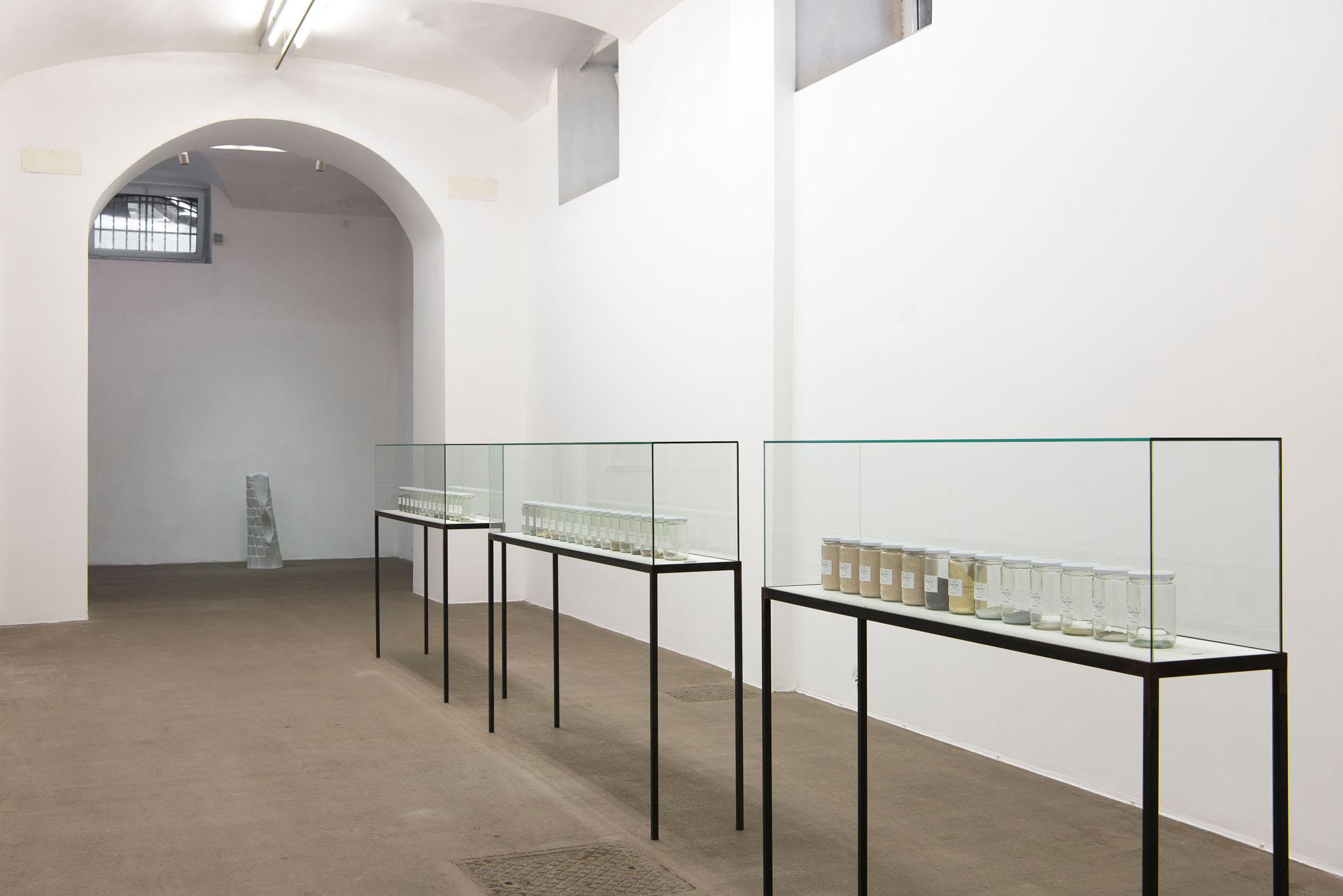 MATERIA, PER ORA Installation view; foto Giorgio Benni