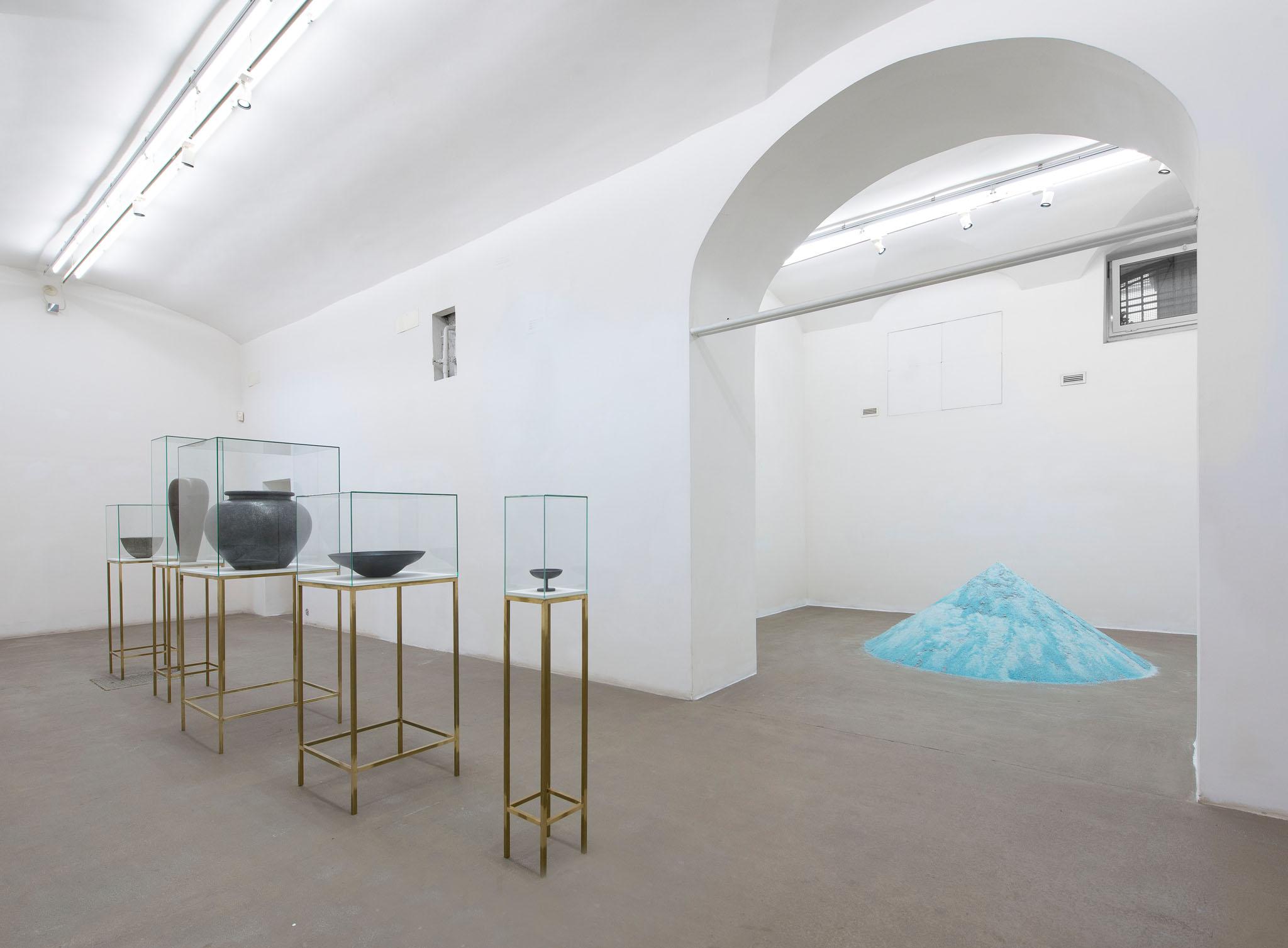 MATERIA, PER ORA Installation view; photo Giorgio Benni